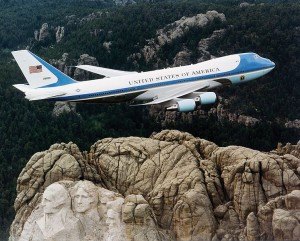 746px-Air_Force_One_over_Mt._Rushmore
